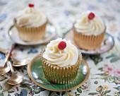 Vanilla cupcakes with strawberry liquorice