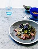 Königsmakrelen-Gurken-Salat mit Soja-Ingwer-Dressing