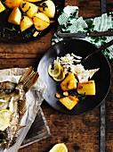 Plattfisch mit Bratkartoffeln und Oregano