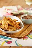 Chicken goujons (Panierte Hähnchenfiletstücke mit Dip, England)