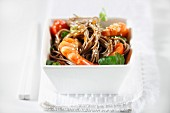 Fried noodles with prawns