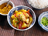 Chicken curry with peppers and oranges