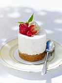 Cream cheese cake with berries