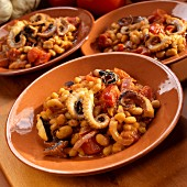 Polpi e Fagioli (octopus with white beans, Italy)