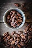 Rohe Kakaobohnen (Draufsicht)