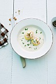 Horseradish soup with potatoes and chives