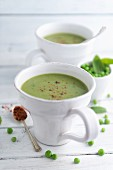 Pea soup with mint and chilli flakes