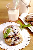Huckleberry cakes with icing sugar