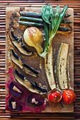 Gemüse auf dem Salzblock gegrillt