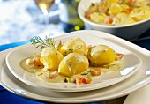 Creamy potatoes with dill and gherkins