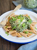 Vegan herb pesto with wholemeal pasta