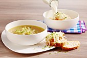 Ennenzopp (onion soup, Luxembourg)