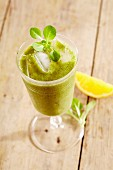 Feldsalat-Frucht-Smoothie