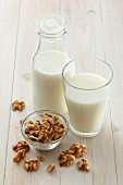 Walnut milk and walnuts