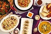 Chinesisches Buffet mit vegetarischen Gerichten