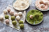Vegan super energy balls