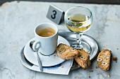 Italienische Cantucchini zum Espresso