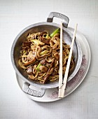 Stir-fried Chinese wheat noodles with teriyaki beef
