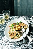 Linguine with vegetables and grilled halloumi cheese