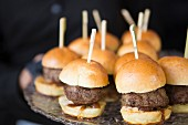 Mini burgers with caramelised onions