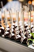 Chocolate tuxedo cake pops