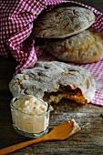 Vinschgau bread with a dip