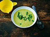 Leek soup with lemon and white wine