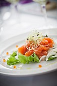 Smoked salmon on lettuce with julienned fennel