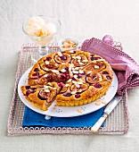 Karamellisierte Feigen-Frangipane-Tarte mit Mandelblättchen