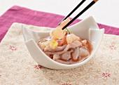 Fermentierter Oktopus mit Wasabi