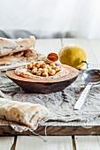 Hummus with unleavened bread (Turkey)