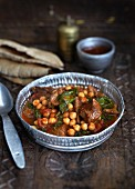 Indian curry with chickpeas and spinach