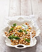 Bean salad with almonds and lemons