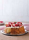 Lactose-free strawberry cake