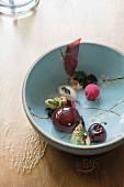 Kreatives Dessert von Tohru Nakamura vom Geisels Werneckhof in München, Nakamura Food