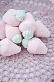 Strawberry shaped marshmallows
