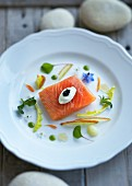 Salmon fillet with sour cream and caviar