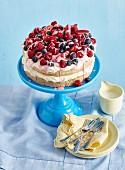 Berries and cream sponge