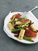 Gemelli with asparagus, Prosciutto and dried tomatoes