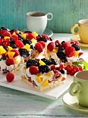 Quarkkuchen mit Beeren