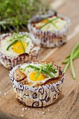 Breakfast muffins with bacon and egg