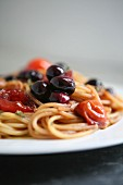 Spaghetti with steamed summer fruits