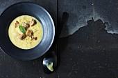 Kohlrabi soup with croutons