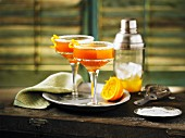 Cocktail mit Whiskey, Ahornsirup & Orange