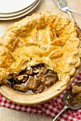 Puff pastry beef pie