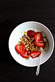 Crunchy muesli with fresh strawberries and yoghurt