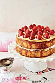 A Victoria sponge with strawberries and Earl Grey syrup