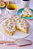 Meringue tart, sliced