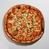 Tomato and basil pizza (seen from above)