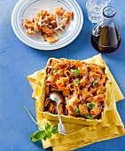 Rigatoni bake with sausages and tomatoes